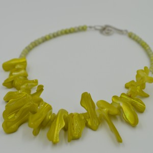 Chartreuse Stick Agate Necklaceby stellasclsoet